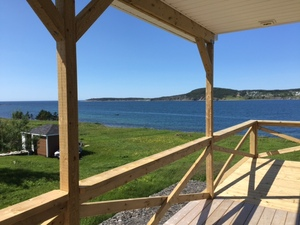 Property: Stunning New 2-Bedroom Oceanfront Cottage Photo 7